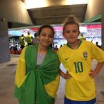 Na Copa feminina da França, assistir a um jogo do Brasil não é só sobre