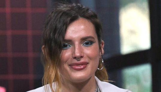 俳優のベラ・ソーン、ハッカーに脅されたトップレス写真を自ら公開「私から何も奪えない」