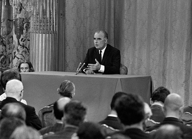 Georges Pompidou lors d'une conférence de presse à l'Élysée en 1969, dans...