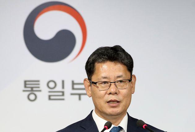 정부가 북한 식량 난을 고려해 쌀 5만 톤을 지원한다고
