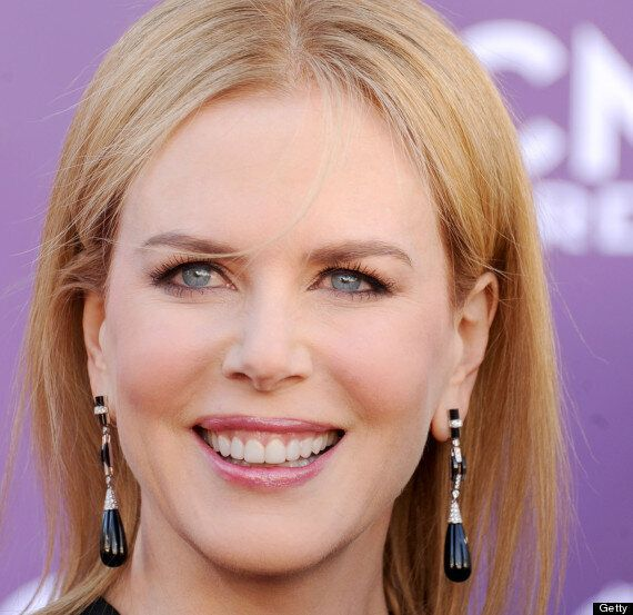 Nicole Kidman Shows Off Wrinkle Free Face At Country Music