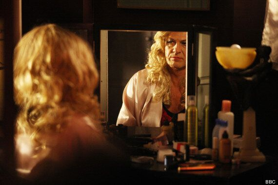 TV REVIEW: Sean Bean In Fine Form As Transvestite Tracie In Jimmy McGovern's