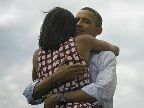 US Election 2012: Picture Of Obama Hugging Michelle Sets Twitter
