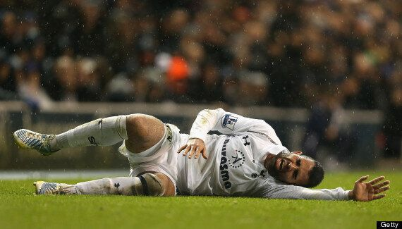 Sandro Out For Tottenham After Knee