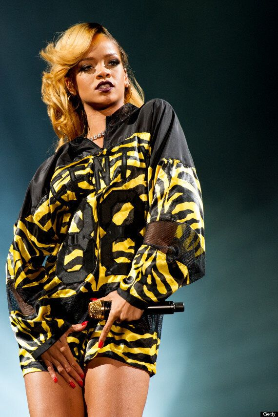 Rihanna Sues Topshop: Singer Reportedly Wants £3m After Her Image Was Used On A