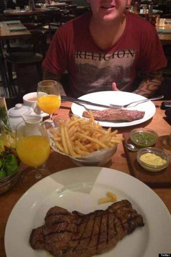 Selfridges Criticised For Giving EDL's Tommy Robinson Free Steak Dinner (POLL,