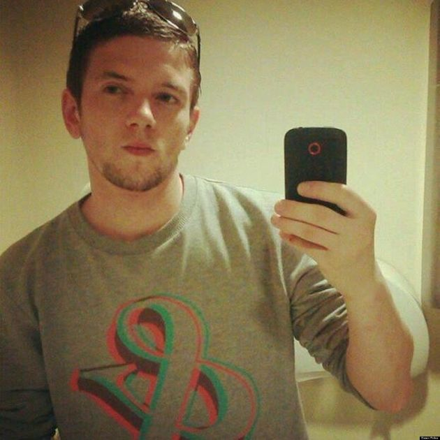 'Brainless Thief' Steals Phone Then Uploads Selfie To