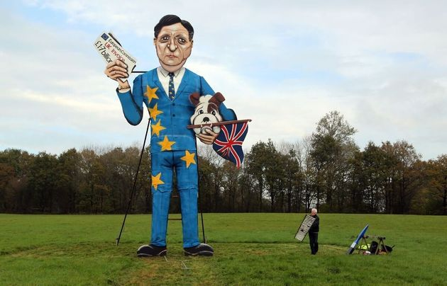 Alex Salmond Effigy Prompts Police Investigation, While Vladimir Putin Is Mercilessly Set