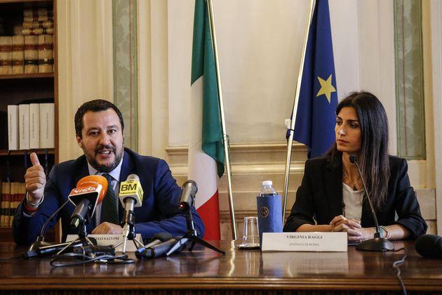 """Matteo Salvini contro Virginia Raggi: """"Pronto programma"""