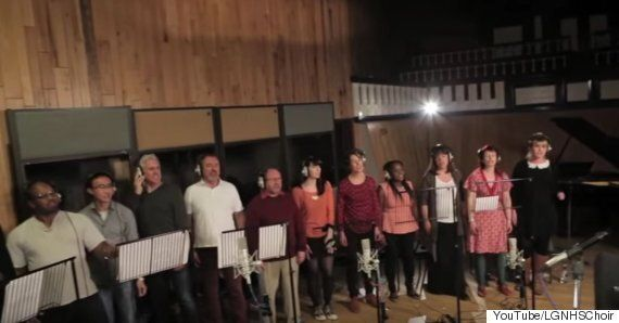 Christmas Number One 2015: Justin Bieber Urges Fans To Buy NHS Choir's 'A Bridge Over You', As Charity...