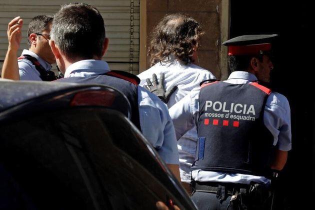 Los Mossos descubren el cadáver de una mujer en el domicilio de la expareja de Mònica