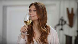 Katherine Levac fait la promotion des vins d'ici comme seule Katherine Levac sait le