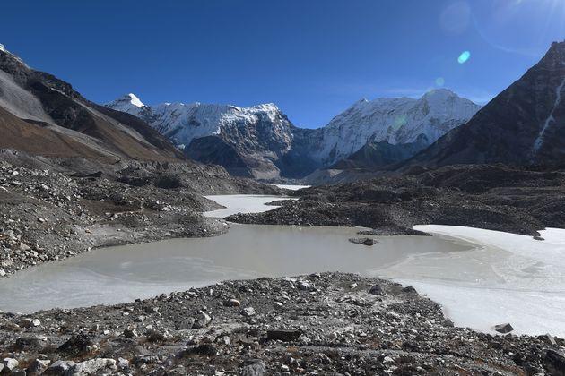 Τα Ιμαλάια εκπέμπουν SOS: Χάνουν 8 δισεκατομμύρια τόνους νερού κάθε