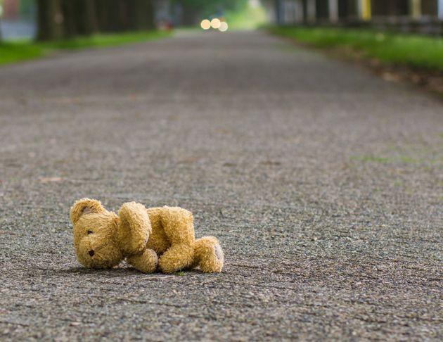 Bambina di 1 anno muore investita dalla madre. Probabilmente