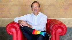 Il sindaco Sala sempre in prima linea: per il Pride sfoggia i calzini