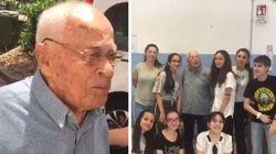 Nonno Felicino fa l'esame di terza media a 98 anni: