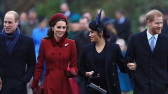KING'S LYNN, ENGLAND - DECEMBER 25: (L-R) Prince William, Duke of Cambridge, Catherine, Duchess of Cambridge, Meghan, Duchess of Sussex and Prince Harry, Duke of Sussex arrive to attend Christmas Day Church service at Church of St Mary Magdalene on the Sandringham estate on December 25, 2018 in King's Lynn, England. (Photo by Stephen Pond/Getty Images)