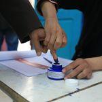 Sondage Emrhod consulting: 42,8% des Tunisiens ne savent pas pour qui voter aux législatives, Nabil Karoui en tête pour la