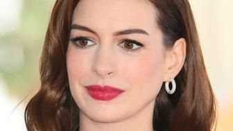 US actress Anne Hathaway is honored with the 2,663rd Star on the Hollywood Walk Of Fame in front of the Chinese theatre on May 09, 2019 in Hollywood. (Photo by JEAN-BAPTISTE LACROIX / AFP)        (Photo credit should read JEAN-BAPTISTE LACROIX/AFP/Getty Images)