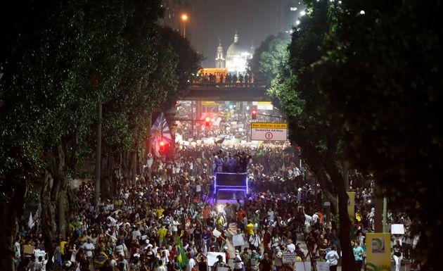 Ruas ficaram lotadas no centro do Rio de Janeiro no dia 20 de junho de
