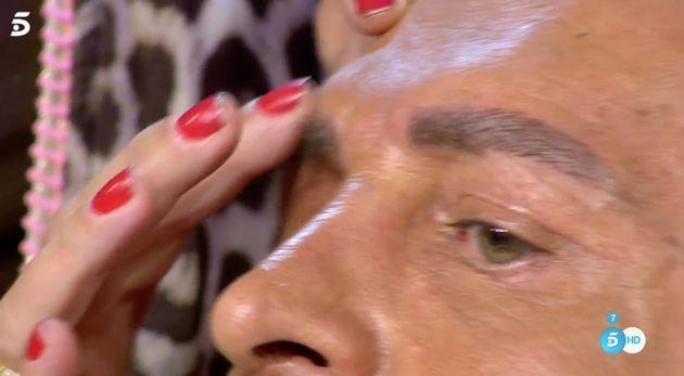 'Sálvame' descubre algo raro en las cejas de Kiko Matamoros en pleno