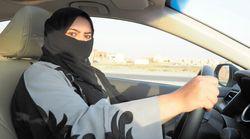 """サウジ、女性の""""運転解禁""""から1年。根強い反対の中でハンドルを握る女性たち"""