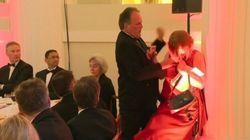 Sottosegretario inglese aggredisce un'attivista di Greenpeace nella residenza del sindaco di