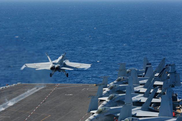 El Grupo de Ataque USS Lincoln, una de las diez más grandes unidades de operación de las...