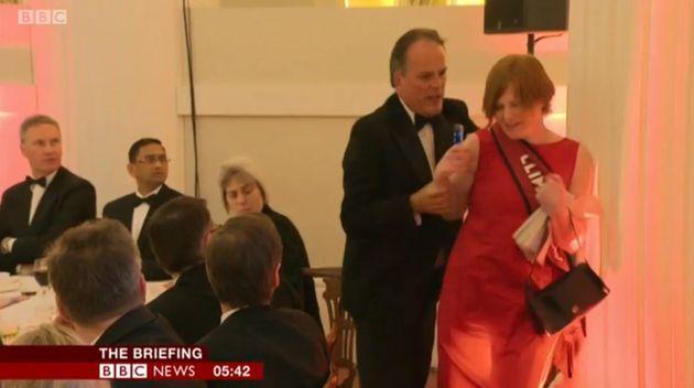 Βρετανία: Ο υφυπουργός Εξωτερικών απομακρύνεται μετά το επεισόδιο με ακτιβίστρια της