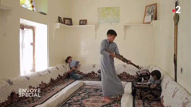"""Extrait du documentaire deKhadija Al-Salami""""Yémen, les enfants et la"""