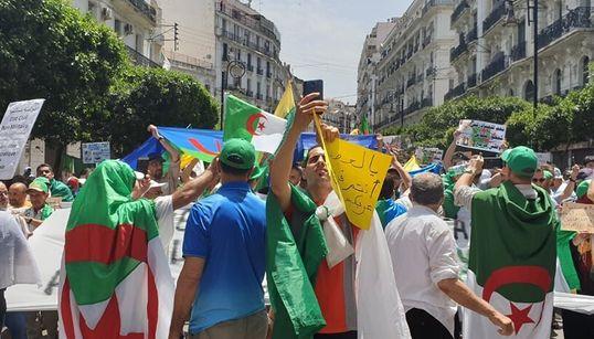 Le Vendredi 18ème à Alger en 10