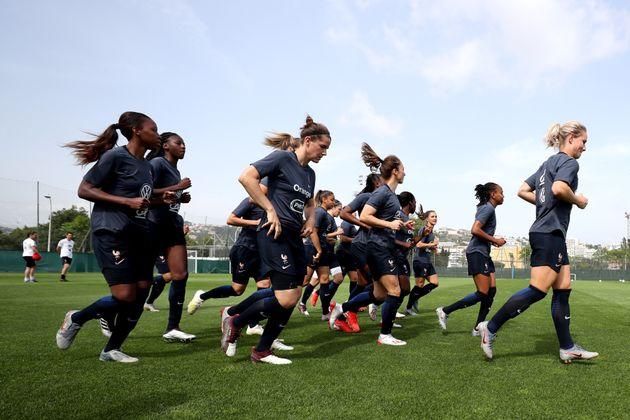 Les Bleues à l'entraînement à Nice le 10 juin