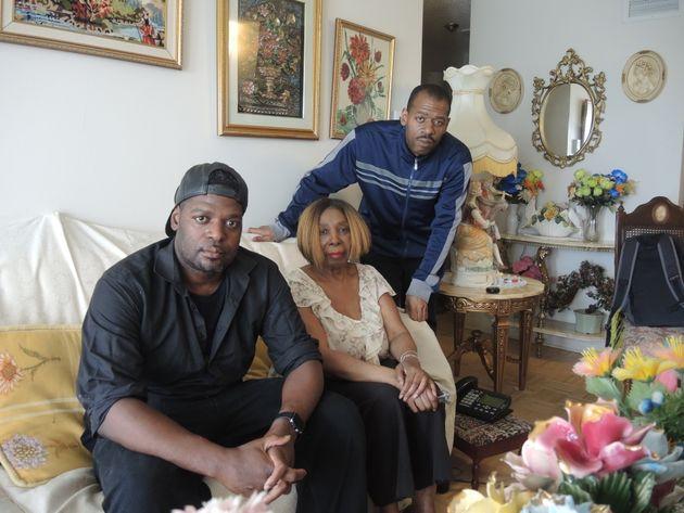 Une famille noire se dit harcelée par le