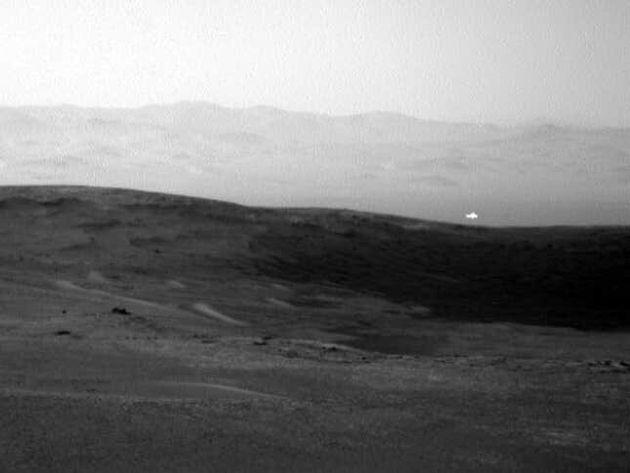 Μυστηριώδης λάμψη από τον Άρη πυροδοτεί (ξανά) σενάρια περί