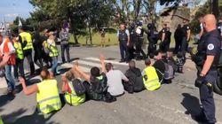 Des dizaines de blocages de gilets jaunes pour l'acte