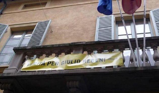 Il neosindaco leghista di Sassuolo fa rimuovere lo striscione per Giulio Regeni: