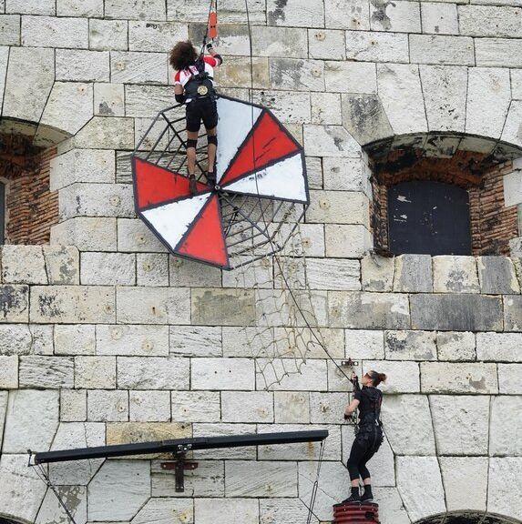 Ce parcours acrobatique sur la façade de la forteresse sera l'une des grandes nouveautés...