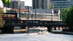 Γερμανία: Ούρησε από γέφυρα και προκάλεσε τον τραυματισμό τουριστών σε