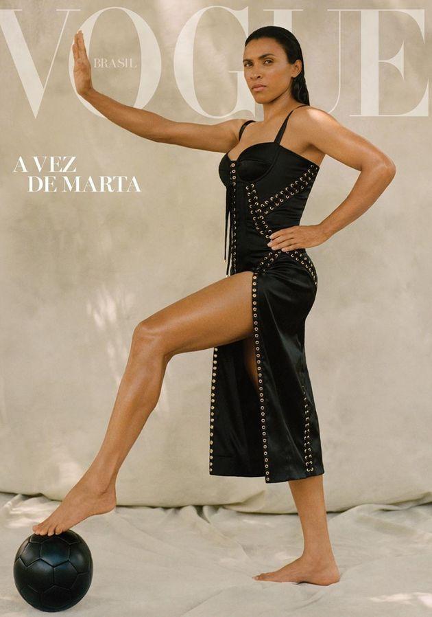 A jogadora Marta na capa da Vogue Brasil no mês de