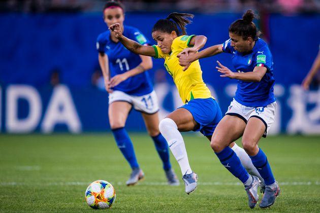 Ailière virevoltante, Debinha a notamment fait montre de son talent contre l'Italie, au tour