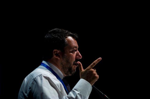 Salvini vuole la manovra in