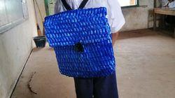 캄보디아의 한 가난한 농부가 아들에게 직접 만들어 준