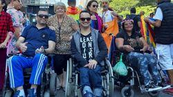 Cadeirantes celebram diversidade ao abrirem Parada do Orgulho