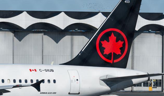 Une passagère d'Air Canada se réveille seule à bord d'un