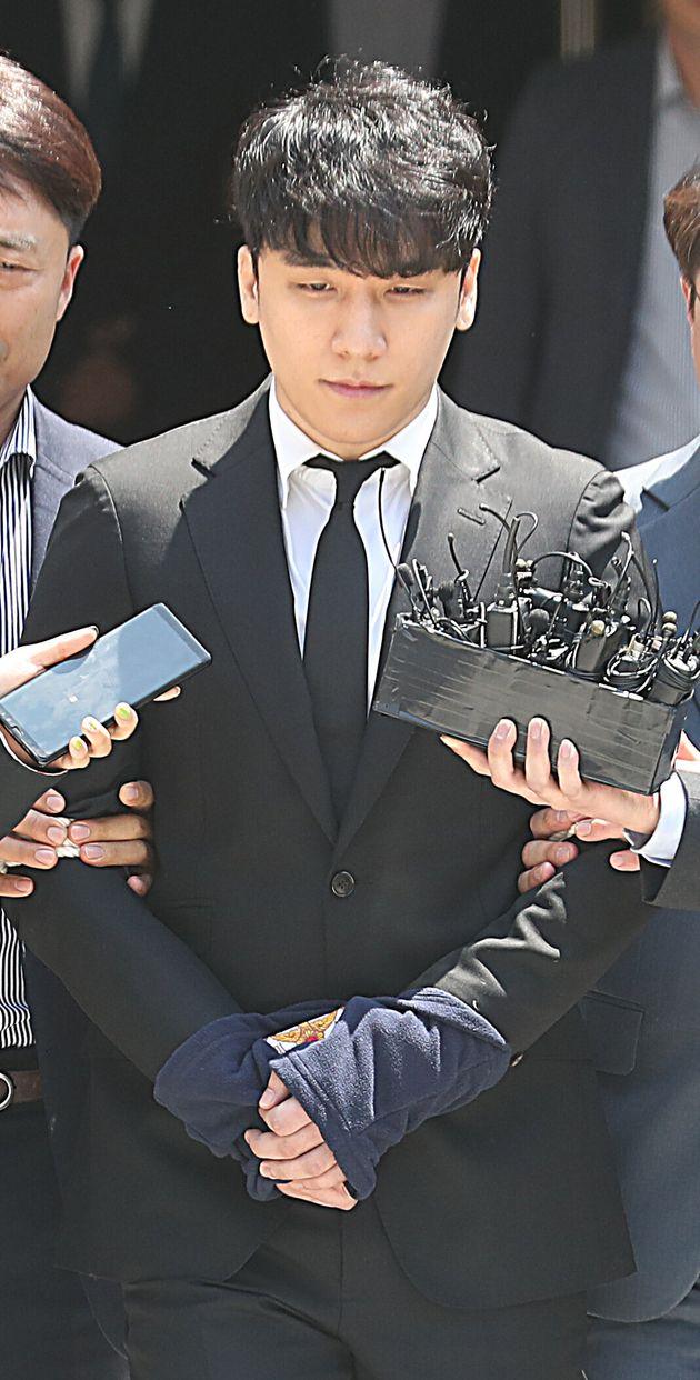 승리의 입영 연기 기한이 24일 자정