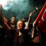 «Η Τουρκική Δημοκρατία ζει», «Πλήγμα στην κυριαρχία του Ερντογάν» - Τα διεθνή ΜΜΕ για τη νίκη