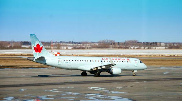 Une passagère d'Air Canada s'endort et se réveille... abandonnée dans l'avion. (photo