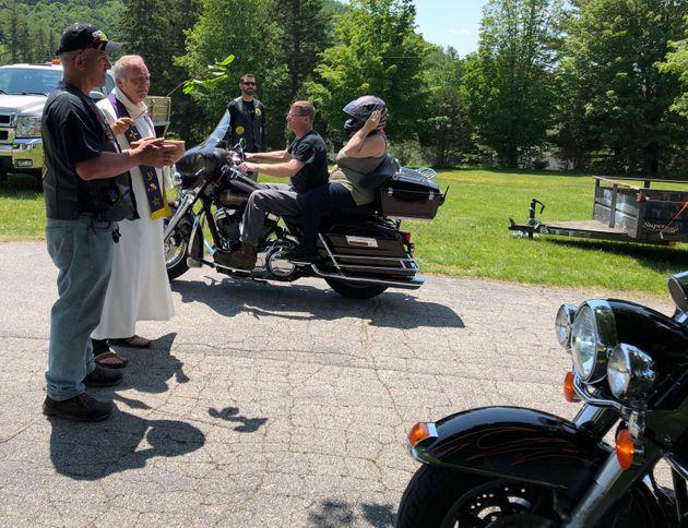 ΗΠΑ: Μηχανόβιοι αποχαιρέτησαν τους 7 μοτοσικλετιστές που σκοτώθηκαν σε