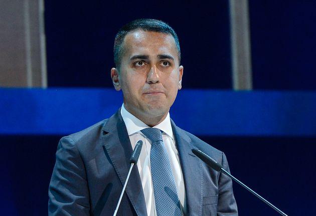 Di Maio a Taranto con 5 ministri e la promessa di 700 milioni. No ad ArcelorMittal sull'immunità