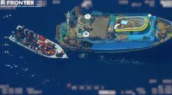 Frontex publie une vidéo d'un navire de passeurs abandonnant des migrants en pleine